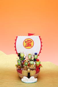辰の七福神と宝船の写真素材 [FYI01323271]