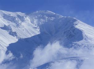 冬の旭岳の写真素材 [FYI01324110]