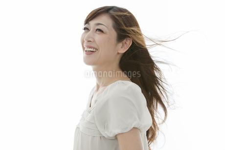 笑顔の中高年女性の写真素材 [FYI01325905]