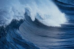 波の写真素材 [FYI01330129]
