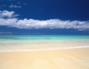 青空と海の写真素材 [FYI01334200]