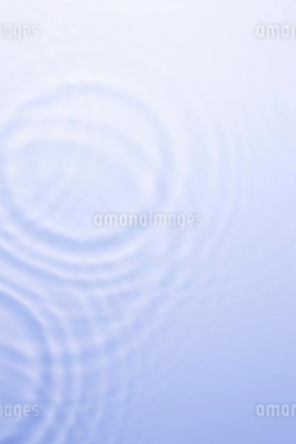 波紋の写真素材 [FYI01334764]