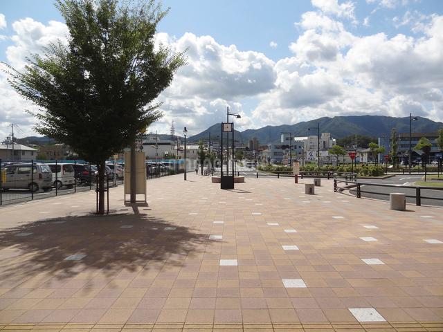 JR福知山駅前広場の写真素材 [FYI01336199]