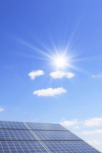 ソーラーパネルの写真素材 [FYI01336745]