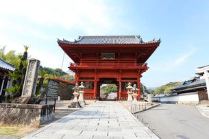 粉河寺(大門)の写真素材 [FYI01338430]