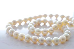 真珠のネックレスの写真素材 [FYI01339359]