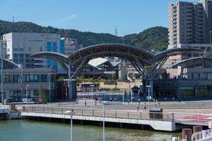 大津港の桟橋の写真素材 [FYI01340388]