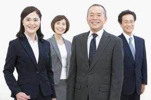 笑顔のビジネスグループ4人の写真素材 [FYI01342781]