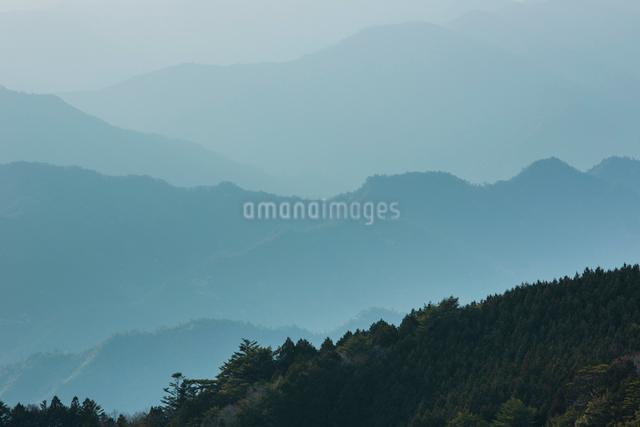 玉置神社から見た山々の風景の写真素材 [FYI01343365]