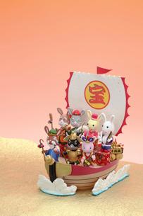 兔の七福神と宝船の写真素材 [FYI01345852]