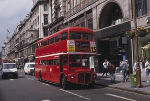 二階建てバスの写真素材 [FYI01351422]