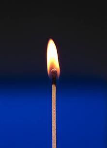 マッチの火の写真素材 [FYI01353694]