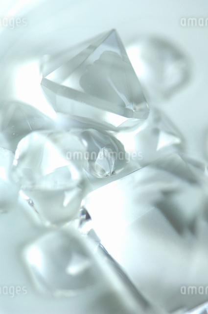 宝石の形をしたプラスティックの写真素材 [FYI01354888]