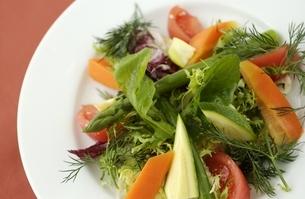 温野菜サラダの写真素材 [FYI01355077]