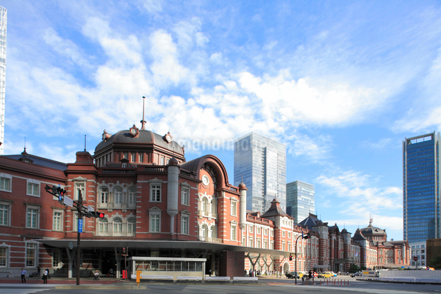 東京駅丸の内駅舎の写真素材 [FYI01355139]