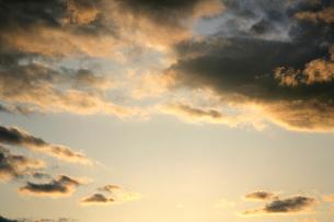 夕焼けの雲の写真素材 [FYI01361660]