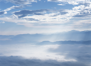 山並みと空の写真素材 [FYI01363141]