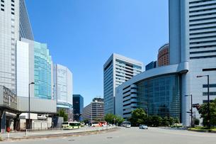 大阪駅前の都市風景の写真素材 [FYI01363961]