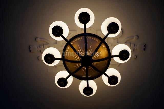洋館のランプの写真素材 [FYI01364402]