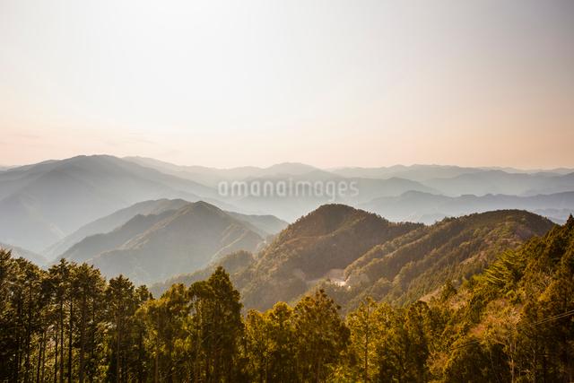 玉置神社から見た山々の風景の写真素材 [FYI01364568]