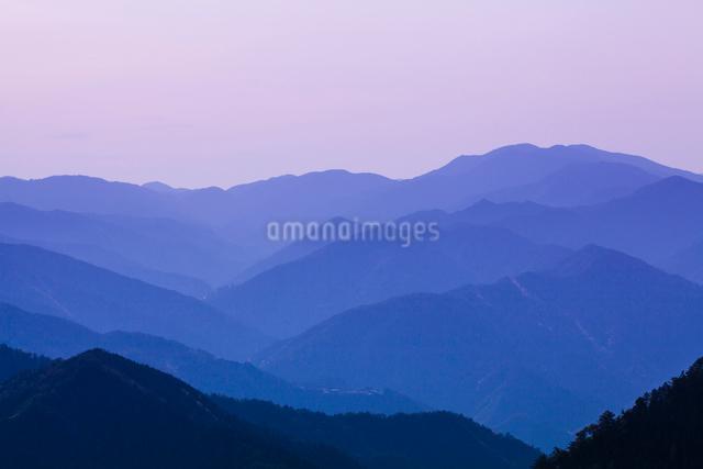 玉置神社から見た山々の風景の写真素材 [FYI01365626]