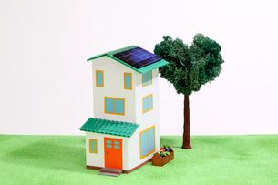 太陽光発電の家の写真素材 [FYI01366106]