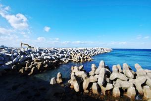 下風呂漁港のテトラポットの写真素材 [FYI01366554]