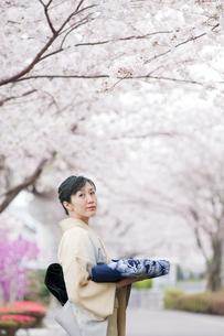 和服の日本人女性の写真素材 [FYI01366727]