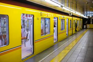 浅草駅東京メトロ銀座線の写真素材 [FYI01372185]