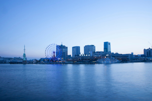 夕暮れの神戸の町並みの写真素材 [FYI01372463]