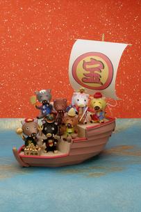 宝船に乗った七福神のイノシシの写真素材 [FYI01372677]