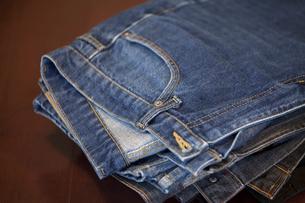 男性用のジーンズの写真素材 [FYI01372788]