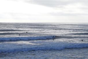 サーファーと海の写真素材 [FYI01372922]