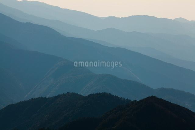 玉置神社から見た山々の風景の写真素材 [FYI01375382]