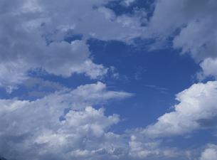 青空と雲の写真素材 [FYI01375911]