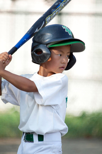 少年野球の打撃練習の写真素材 [FYI01376452]