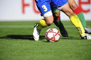 サッカーシーンの写真素材 [FYI01379073]