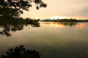 大濠公園の夕景の写真素材 [FYI01381300]