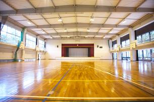 学校の体育館の写真素材 [FYI01384966]