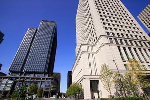 新丸ビルと丸の内オアゾの写真素材 [FYI01385966]