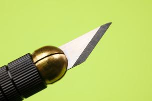 カッターナイフの刃のアップの写真素材 [FYI01389225]