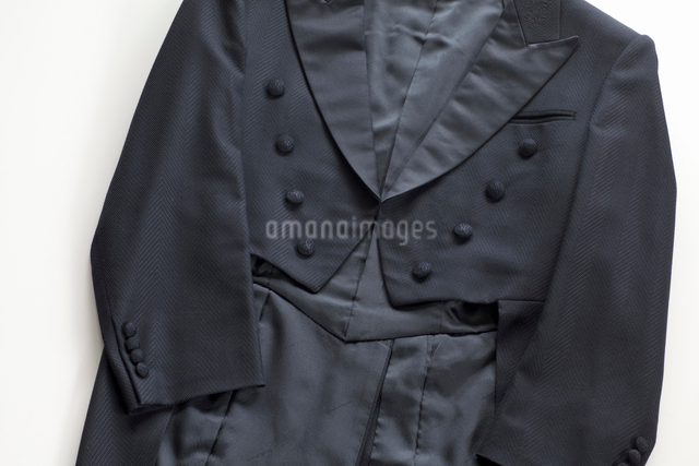 黒いタキシードの写真素材 [FYI01390279]