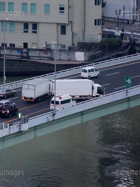 高速道路の交通事故の写真素材 [FYI01390989]