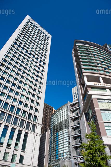 日本生命丸の内ビルと丸の内オアゾの写真素材 [FYI01391344]