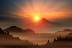 富士山と朝日の写真素材 [FYI01391962]