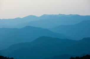 玉置神社から見た山々の風景の写真素材 [FYI01392813]