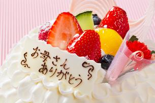 母の日ケーキの写真素材 [FYI01393863]