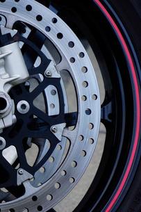 オートバイのディスクブレーキの写真素材 [FYI01393868]