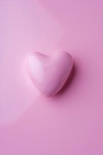 ハート型のチョコレートの写真素材 [FYI01394798]
