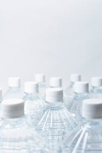 防災用の備蓄の水の写真素材 [FYI01395942]
